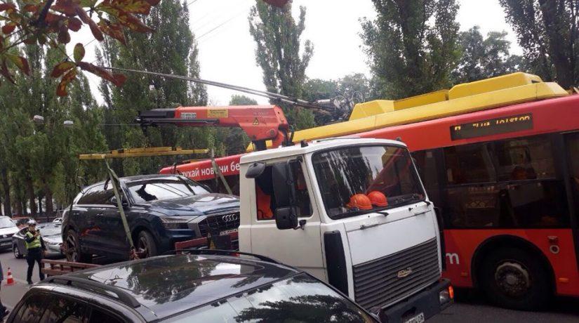 В Киеве за неделю отправили на штрафплощадку еще 68 автомобилей