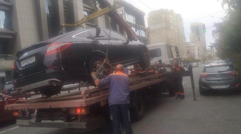 В Киеве за неделю эвакуировали на штрафплощадку 59 автомобилей