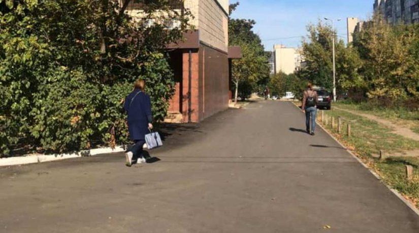 В Голосеевском районе отремонтировали более десятка междворовых проездов