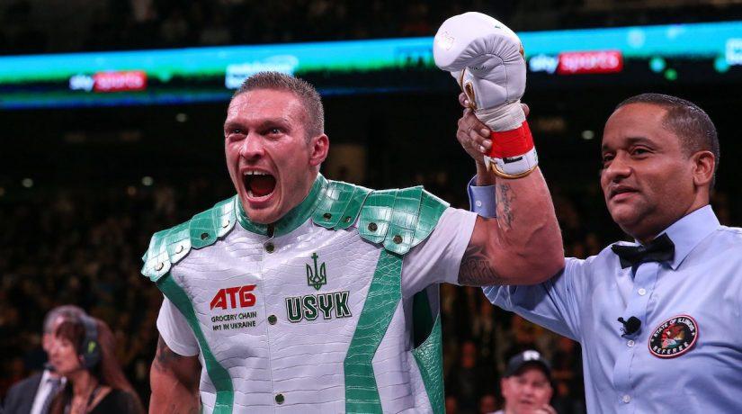 В дебютном бою в супертяжелом весе Усик досрочно победил Уизерспуна