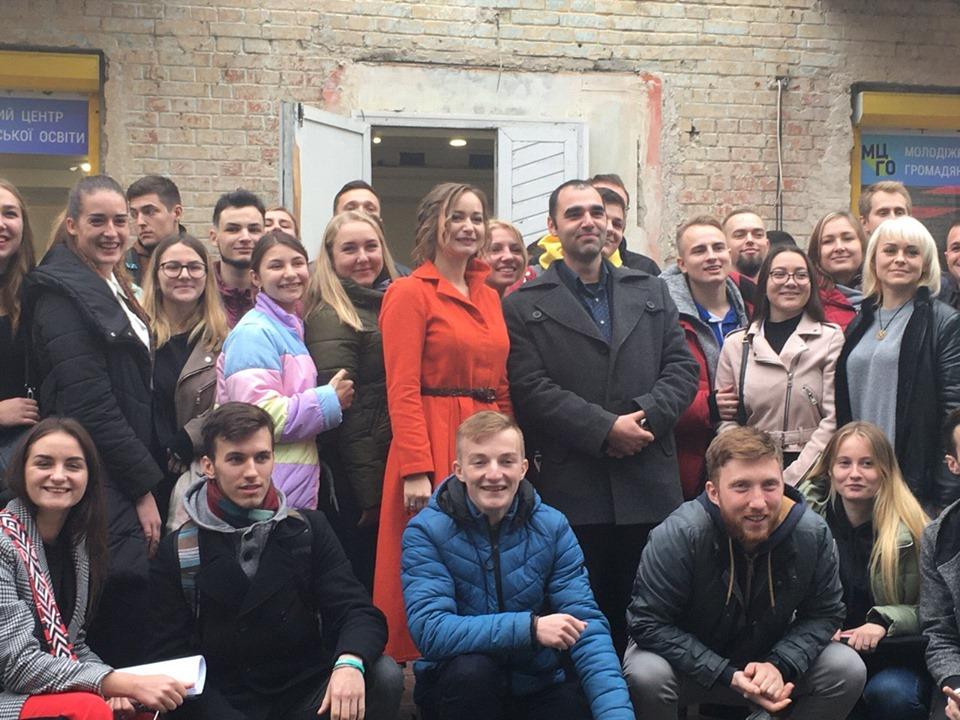 На ж/д вокзале открыли комфортный зал ожидания для украинских воинов