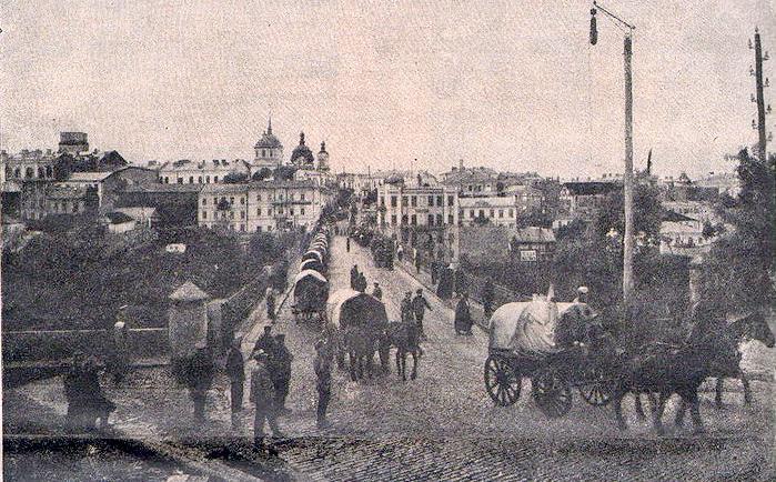 Большевики привыкли вывозить награбленное обозами