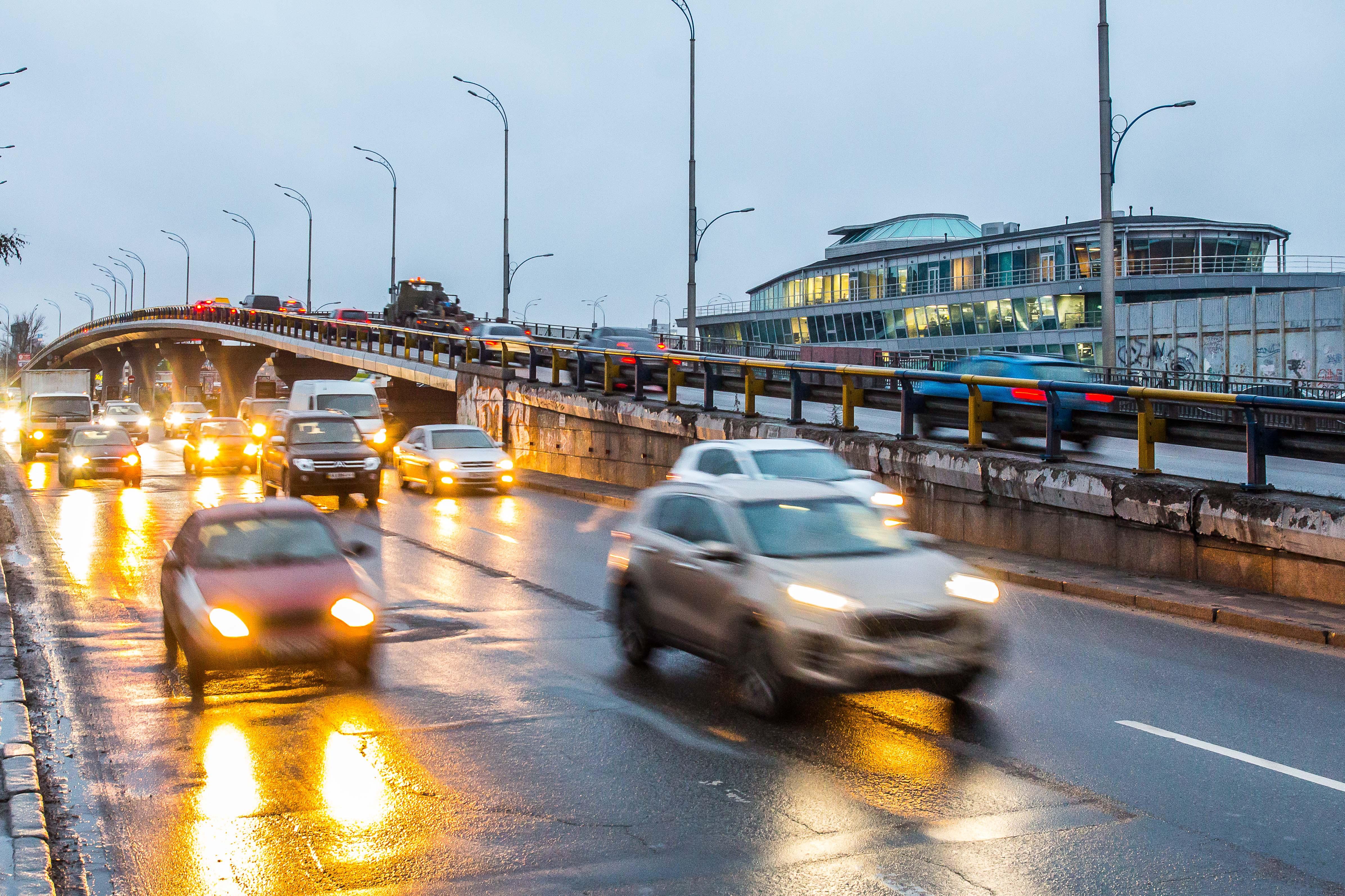 Киев, улицы, машины