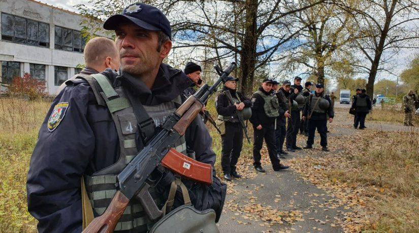 На Донбассе между полицией и ветеранами АТО произошли столкновения на блокпосту