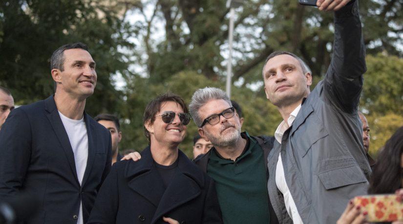 Братья Кличко устроили Тому Крузу экскурсию по Киеву
