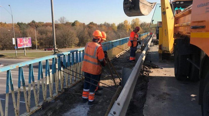 Ограничение движения по Броварскому проспекту продлено до 20 ноября