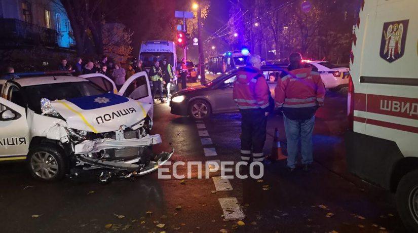 В Шевченковском районе авто полиции протаранило такси, пострадали пять человек
