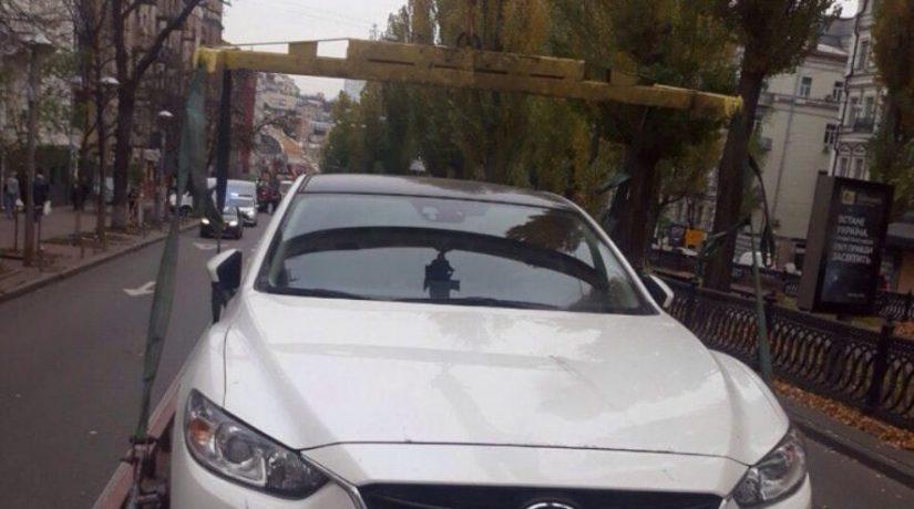 В столице эвакуировали на штрафплощадку почти 60 автомобилей за неделю