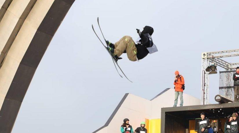 Летающие сноубордисты и 150 тонн снега – бешеные эмоции «Дабл Трипл Snow Fest»