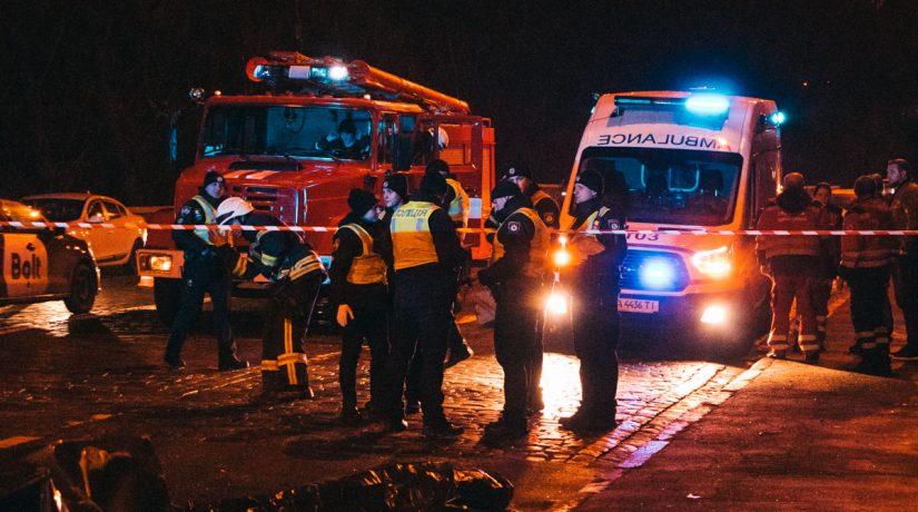 На Владимирском спуске Audi протаранил Skoda, погибла девушка