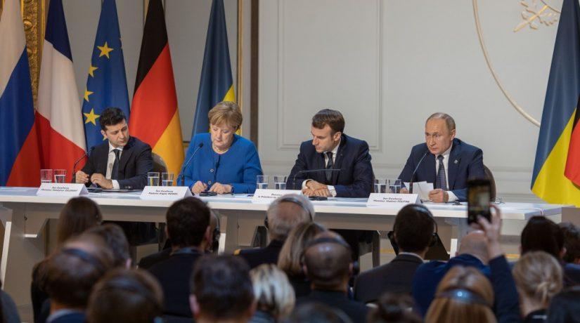 На саммите в Париже договорились о полном прекращении огня и обмене пленными