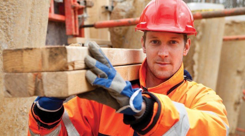Топ-9 отраслей, где рабочие получают самую большую зарплату (СПИСОК)