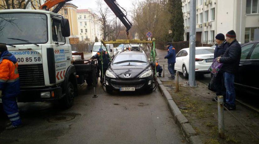 Если эвакуировали авто: появилось еще одно «единое окно» для возвращения машины