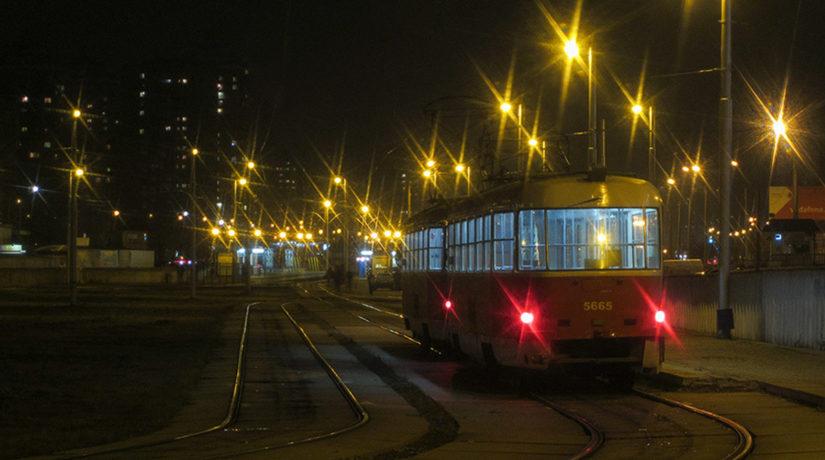 трамвай, ночь