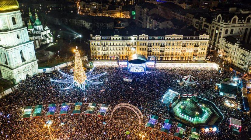 Лучше, чем в Париже. Елка на Софийской площади вошла в топ-5 новогодних деревьев Европы
