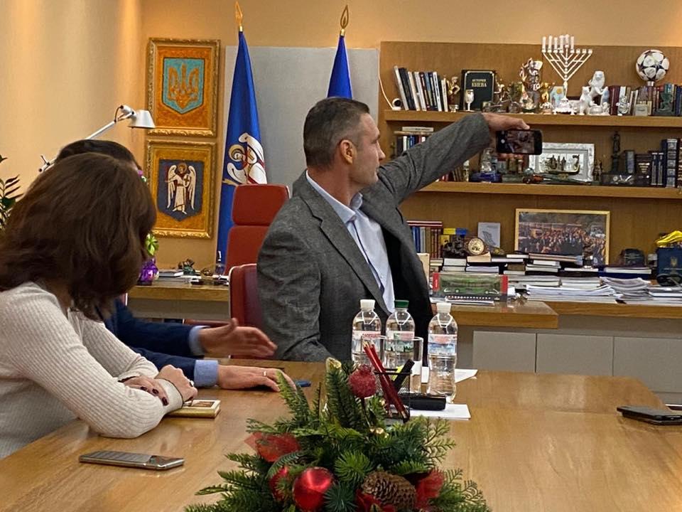 Виталий Кличко, селфи