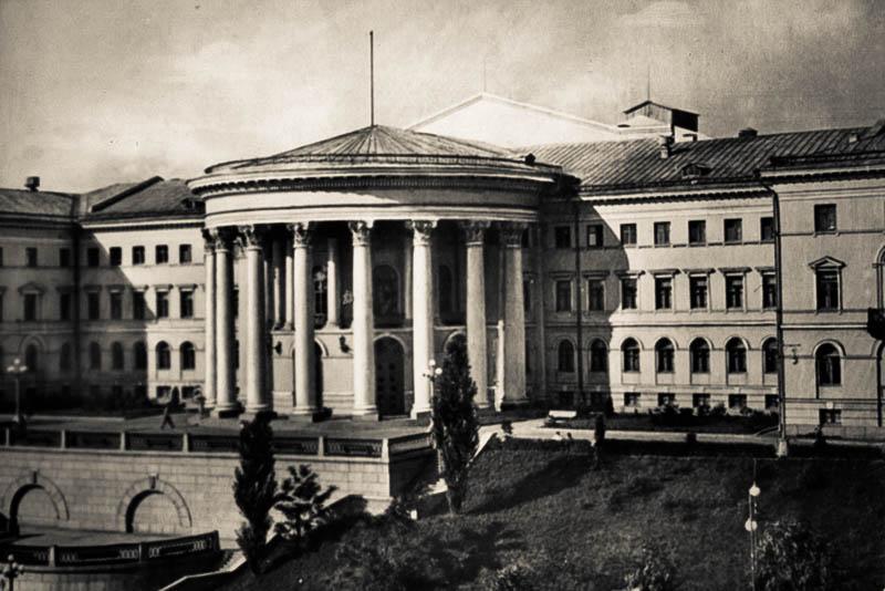 Городские головы Киева – Иван Ходунов – Институт благородных девиц