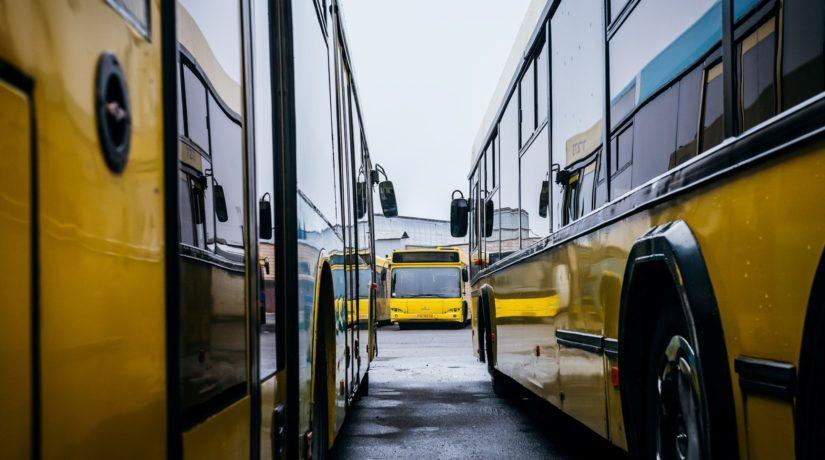 Як працюватиме громадський транспорт у поминальні дні (МАРШРУТИ)