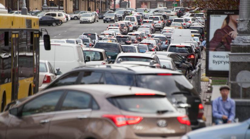 Стоимость парковки в центре Киева хотят повысить и ограничить по времени