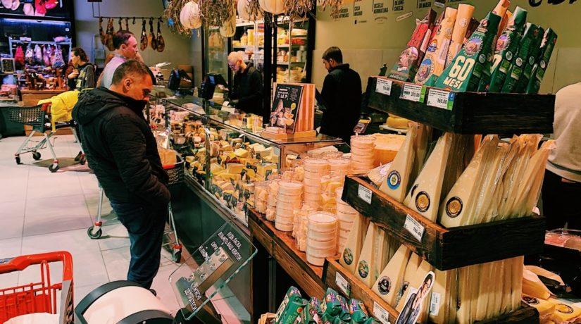Бандиты и звезды с толстыми кошельками – литовский журналист о покупателях киевского магазина