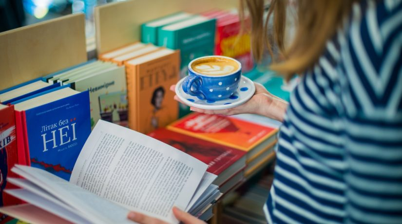Какао за 12 баллов: Кофейня-магазин запустила акцию для школьников