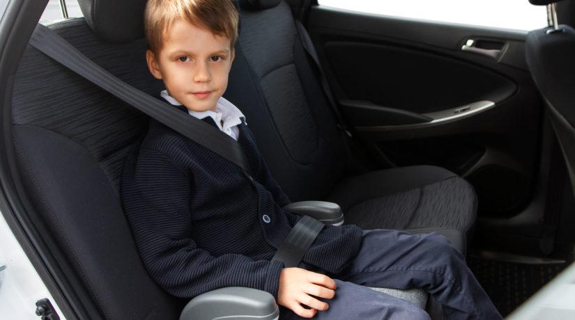 Сориентировались первыми: служба такси оснастила все машины детскими автокреслами