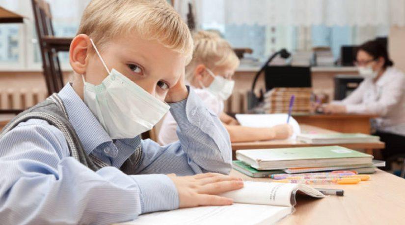 грипп, ОРВИ, школьник в маске