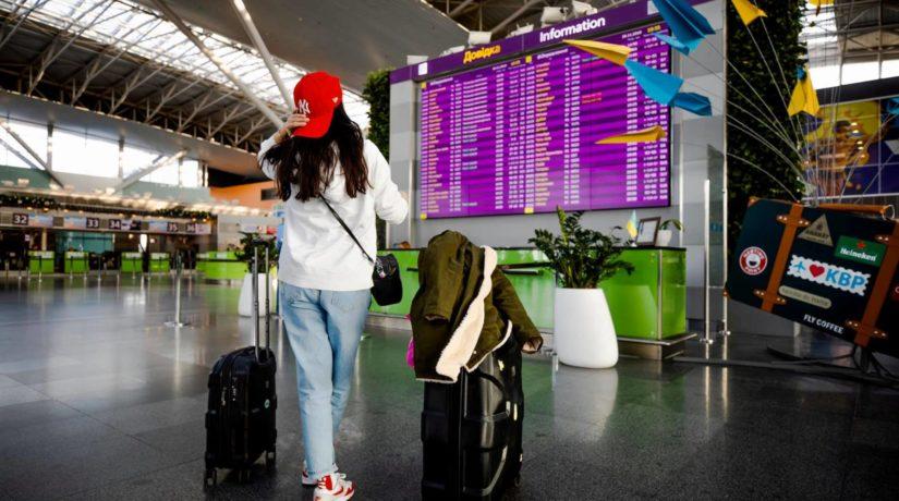 Украинцам официально ограничили иностранный туризм