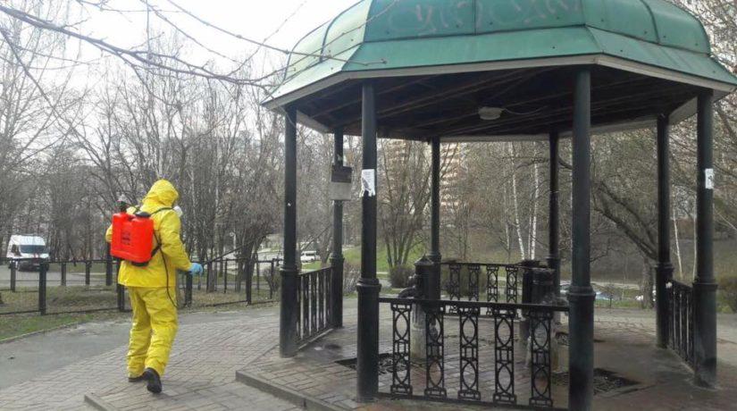 В Киеве проводят дезинфекцию бюветов