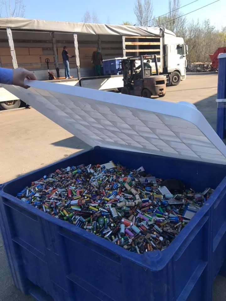 отработанные батарейки, відпрацьвані батарейки