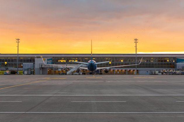 Всі авіаперельоти в Україні скасовані до вересня