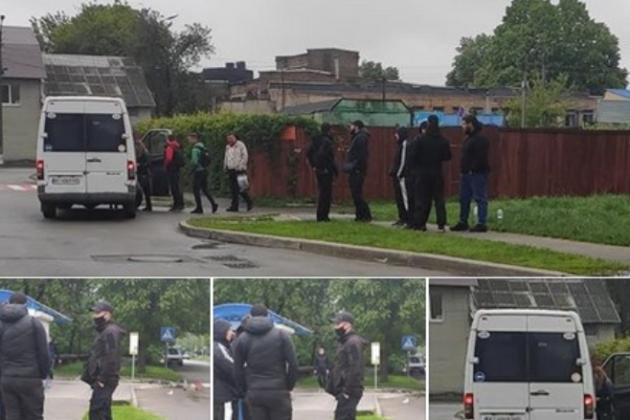 За два дні до стрілянини в Броварах тітушки залякували водіїв маршруток – журналіст (ФОТО)