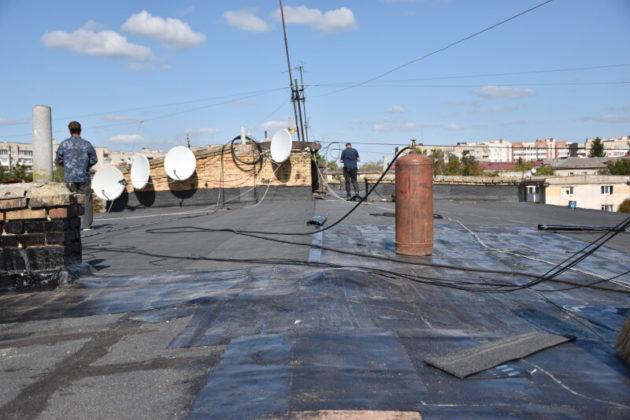 Ремонти покрівлі, ліфтів, труб у будинках на 3,8 млн грн (АДРЕСИ)