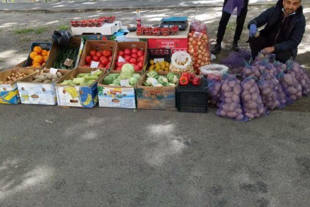 Нелегальні торговці овочами окупували Київ – коли дозволять ярмарки