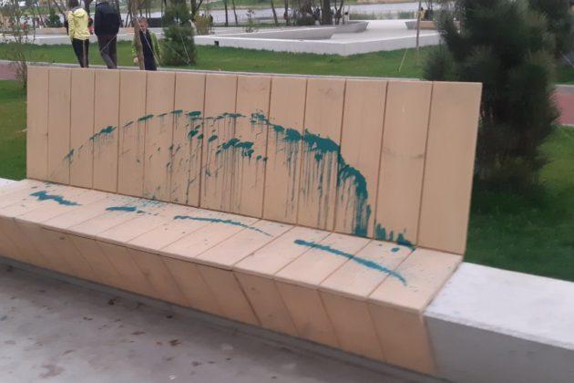 Приречені жити в руїнах? Вандали понівечили новий фітнес-парк «Лебедине»