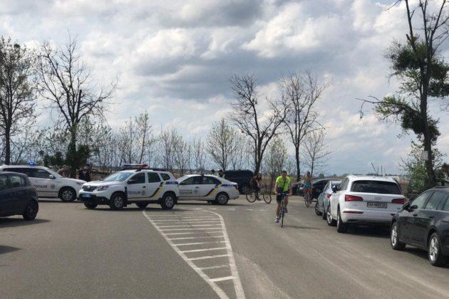 Заборонені тюльпани – поліція перекрила всі шляхи в Добропарк