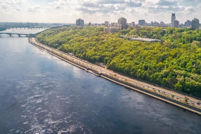 Довжина 5 км, вартість – 180 млн. Проєкт велодоріжки на Набережному шосе