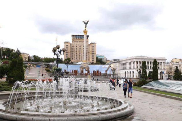Початок літа у Києві: періодичні дощі, красиві хмари і холодяка