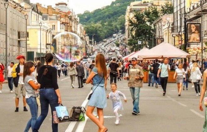 Місто відстоює пішохідну зону на Контрактовій – там буде туристична локація
