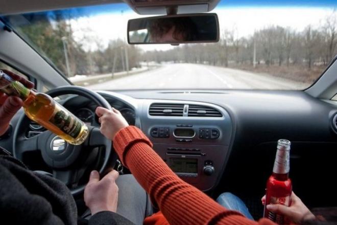 Закон про жорсткіше покарання за п'яне водіння та перевищення швидкості пройшов перше читання