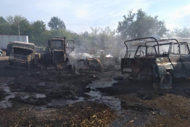 Пожежі охопили Київщину. Горіли будівлі, автомобілі та торфовища