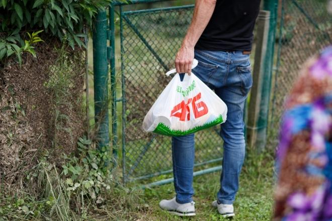 «АТБ» передав продуктові набори жителям постраждалих від повені населених пунктів