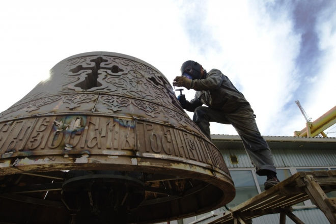 Як створюють скульптуру архистратига Михаїла для нового фонтану (ВІДЕО)