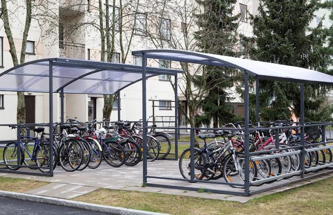 Школи обіцяють обладнати велопарковками до нового навчального року