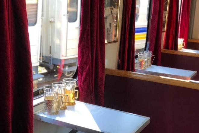 Ретро-поїзд кататиме пасажирів дитячої залізниці у Сирецькому парку