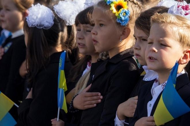 Верещук проти ранкового гімну у київських школах