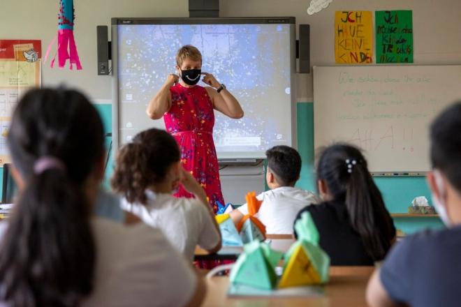 Хворі на коронавірус вчителі і учні є 127 у школах – на карантині 5 закладів
