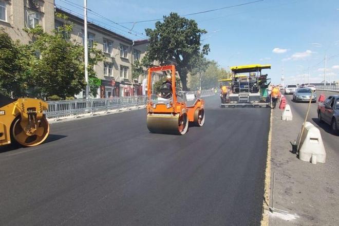 На Шулявському мосту знову обмежили рух транспорту