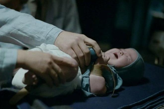 """Помер ключовий свідок у справі про катування немовлят під час зйомок фільму """"Дау"""""""