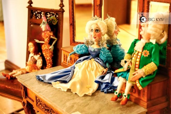"""Самотність, проституція та """"Бридке каченя"""". Що ще ми побачили в """"Палаці казок Андерсена"""" (ФОТОРЕПОРТАЖ)"""